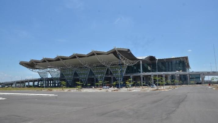 Wakil Presiden RI Jusuf Kalla (JK) mengkritik Bandarudara Internasional Jawa Barat (BIJB) atau yang juga dikenal dengan Bandara Kertajati.
