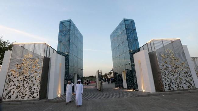 Pemandangan Quranic Park (Taman Quran) yang baru dibuka di Dubai, Uni Emirat Arab (UEA).Selain yang serba mewah dan komersil, Dubai juga memiliki objek wisata sarat edukasi dan religi.