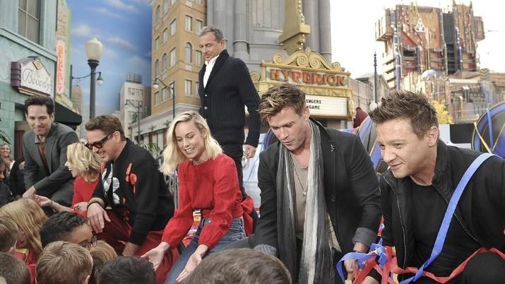 Saat Jagoan Avengers Beraksi Selamatkan Anak-Anak di Dunia