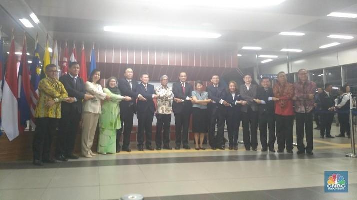 Anies Resmikan Stasiun MRT ASEAN: OB Hingga CEO Bisa Naik