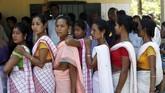 Sejumlah partai dan kandidat perdana menteri akan memperebutkan 900 juta suara pemilih. (REUTERS/Adnan Abidi)