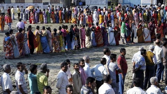 India hari ini menggelar pemilihan umum untuk memilih anggota legislatif. (REUTERS/Rupak De Chowdhuri)