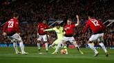 Sejatinya Messi tidak bisa bergerak banyak saat melawan Man United. Gelandang Scott McTominay dan lini belakang Man United memberikan penjagaan ketat kepada Messi. (Action Images via Reuters/Lee Smith)