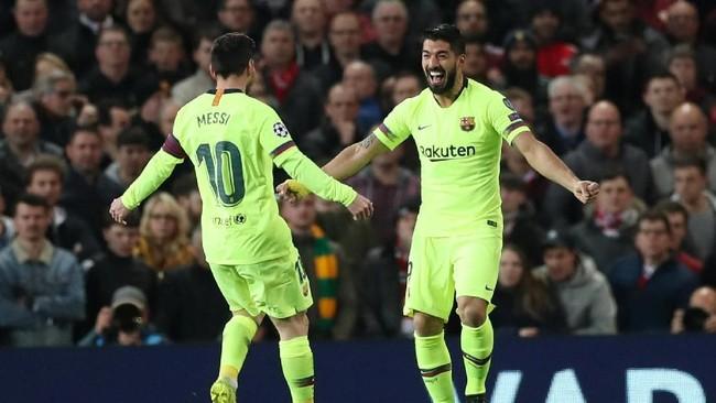 Suarez memiliki andil dalam gol tunggal Barcelona ke gawang Man United setelah menerima operan dari Lionel Messi. (Action Images via Reuters/Lee Smith)