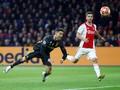 Ronaldo 'Jewer' Telinga Bocah Cilik Sebelum Ajax vs Juventus