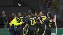 FOTO: Momen Ronaldo Diserang Suporter di Liga Champions