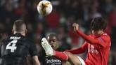 Joao Felix menjadi ujung tombak ketika Benfica menghadapi Eintracht Frankfurt dalam leg pertama perempat final Liga Europa di Stadion Da Luz, Jumat (12/4). (AP Photo/Armando Franca)