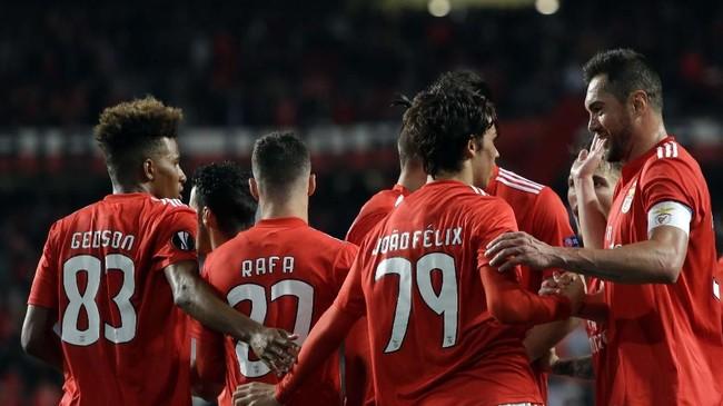 Joao Felix menjadi salah satu pemain muda Benfica yang masih berusia di bawah 20 tahun. (AP Photo/Armando Franca)