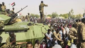 Lima Negara Porak Poranda Akibat 'People Power'