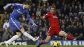 Fernando Torres melakoni debut bersama Chelsea saat jumpa Liverpool pada 6 Januari 2011 setelah memecahkan rekor transfer £50 juta. Namun dalam laga di Stamford Bridge itu Chelsea kalah 0-1 dari Liverpool.(REUTERS/Stefan Wermuth)