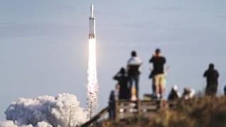 SpaceX Akan Bawa Foto Siswa Lulusan 2020 Dipajang di ISS