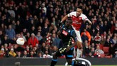 Arsenal tampil cukup menjanjikan dengan melakukan serangan pada menit-menit awal. (Action Images via Reuters/Matthew Childs)