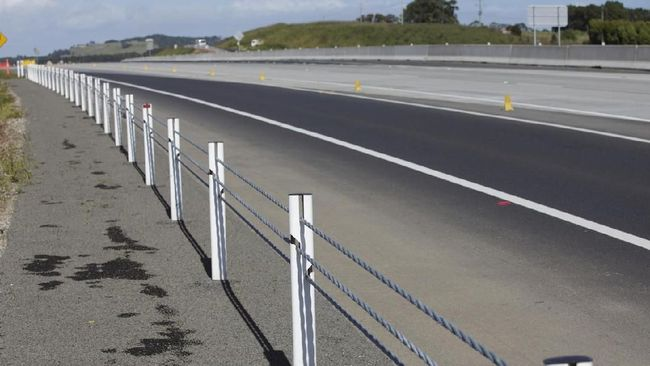 Hati-hati Sling Pembatas Jalan 'Pencabut Nyawa'