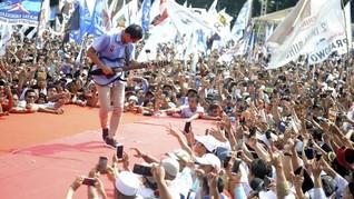 Kampanye Pamungkas, Sandiaga Main Gitar Diiringi Soneta