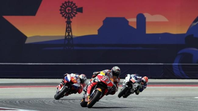 Pebalap Repsol Honda Marc Marquez menjadi yang tercepat pada latihan bebas pertama MotoGP Amerika Serikat 2019 sebelum digeser Maverick Vinales di sesi kedua. (AP Photo/Eric Gay)
