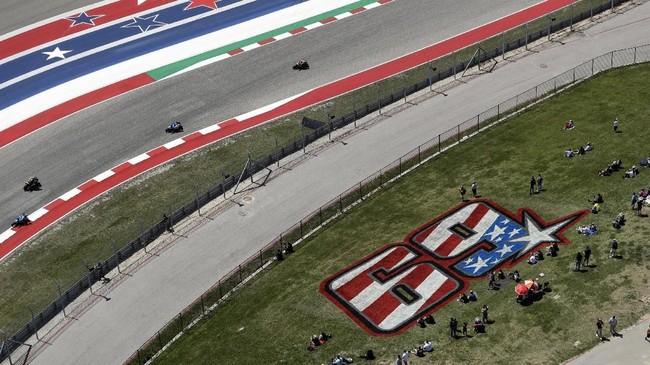 Pihak MotoGP memutuskan untuk mempensiunkan nomor 69 yang digunakan mendiang Nicky Hayden pada akhir pekan MotoGP Amerika Serikat 2019. (AP Photo/Eric Gay)
