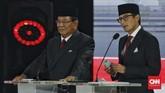 Pasangan capres-cawapres nomor urut 02 Prabowo Subianto dan Sandiaga Uno mengikuti debat kelima Pilpres 2019 di Hotel Sultan, Jakarta, Sabtu (13/4/2019). (CNN Indonesia/Adhi Wicaksono)