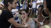 Kelompok bersenjata juga mengambil keuntungan dari tata kota serampangan di Brasil. Mereka mulanya dibentuk untuk menjaga lingkungan dari geng dan sindikat narkoba. (AP Photo/Leo Correa)