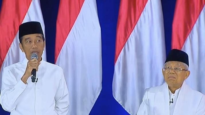 Jokowi menambahkan, BUMN Indonesia harus berani keluar kandang.