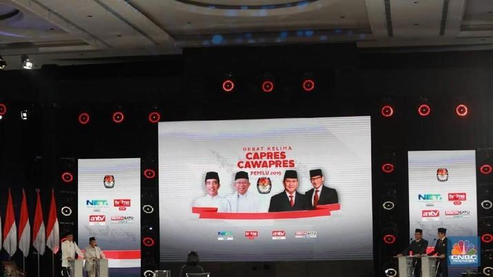 Empat hari jelang pemungutan suara pilpres 2019, Joko Widodo (Jokowi) dan Prabowo Subianto kembali bertemu di panggung debat.