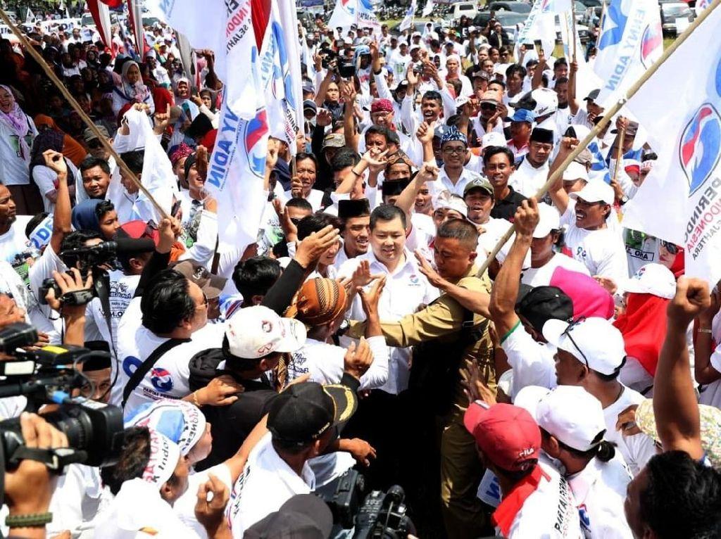 Menurut Ketum Perindo, Hary Tanoesoedibjo Perindo bukan hanya sekadar partai politik, tapi merupakan wadah bagi anak bangsa untuk berjuang bersama membangun Indonesia sejahtera. Dia menekankan perjuangan Perindo spesifik membangun masyarakat kecil. Foto: dok. Perindo