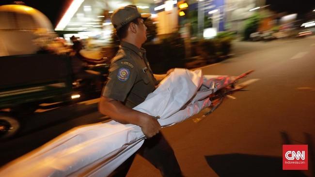 Ketua Bawaslu DKI Jakarta Muhammad Jufri seluruh alat peraga kampanye akan disimpan di gudang satpol PP. (CNNIndonesia/Adhi Wicaksono)
