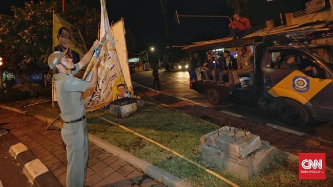 Kemkominfo juga melarang iklan berbayar kampanye politik di media sosial dalam masa tenang Pemilu 2019 mulai 14 hingga 16 April 2019.(CNNIndonesia/Adhi Wicaksono)