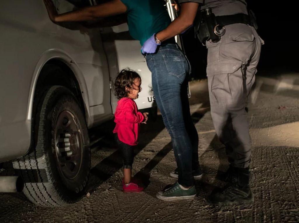 World Press Photo of the Year - Crying Girl on the Border - Fotografer: John Moore. Foto: World Press Photo