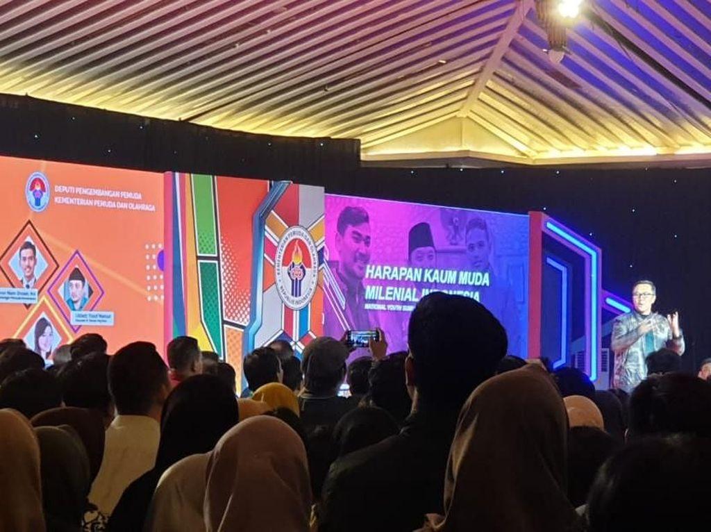 Menpora Imam Nahrawi menjadi Keynote Speaker. Kemudian acara dilanjutkan dengan paparam dari beberapa narasumber seperti Deputi II Kemenpora Asrorun Niam Sholeh, Motivator sekaligus penulis buku Merry Riana, dan Ustaz Yusuf Mansur, founder Paytren. Istimewa.