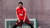 Lionel Messi menjadi andalan Barcelona sekaligus ancaman Man United. Pada leg pertama, umpan Messi berperan penting dalam gol tunggal kemenangan Blaugrana. (REUTERS/Albert Gea)