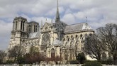 Bangunan yang dibangun pada 1163-1345 ini berdiri menjulang dan disebut ahli seni sebagai