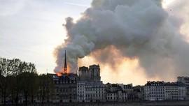 Kebakaran Katedral Notre-Dame Paris Berhasil Dipadamkan