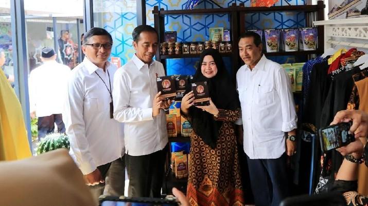 Dari Egg Roll Sampai Rendang, Binaan BRI Hadir Di Halal Park