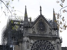 Bos LV & Bangsawan Prancis Galang Donasi Demi Notre-Dame