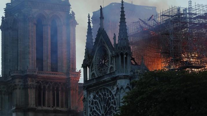 Wakil Presiden Jusuf Kalla (JK) menyampaikan rasa duka citanya menyusul kebakaran yang melahap katedral bersejarah Notre-Dame di Paris, Prancis.