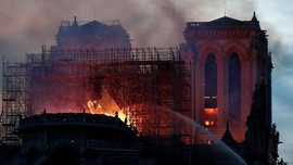 Kronologi Kebakaran Gereja Katedral Notre Dame de Paris