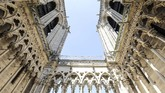 Sebagai situs warisan dunia UNESCO, Gereja Notre Dame didatangi 13 juta wisatawan dari berbagai belahan dunia. (Ludovic MARIN / AFP)
