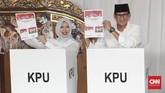Menurut Sandi, Indonesia termasuk negara yang hebat karena dapat menjalankan kontestasi pemilu dengan lancar.(CNNIndonesia/Safir Makki)