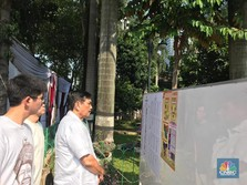 Berkemeja Putih, 3 Menteri Jokowi Nyoblos Pagi-pagi