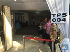 Pagi Ini, JK dan Keluarga Nyoblos di TPS 004 Pulo Kebayoran