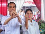 Gaya Santai Jokowi Nyoblos di TPS