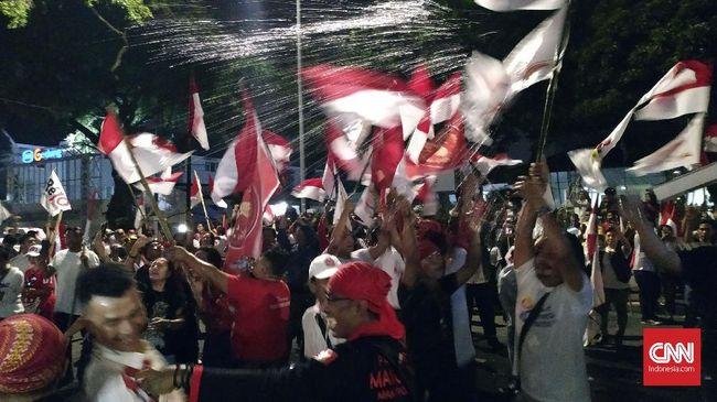 Pendukung Jokowi-Ma'ruf Berpesta di Rumah Aspirasi
