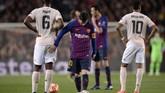 Momen keempat terjadi pada menit ke-61 ketika Philippe Coutinho mencetak gol ketiga. Gol Coutinho berawal dari visi luar biasa Lionel Messi yang melihat pergerakan Jordi Alba di sisi kiri. (PAU BARRENA / AFP)