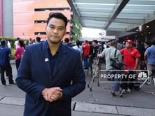 Keriuhan Pendukung Jokowi Menunggu Hasil Hitung Cepat