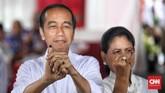 Jokowi dan Iriana terdaftar di nomor urut 154 dan 155 daftar DPT TPS itu dari total198 pemilih yang terdaftardan 22 pemilih dalam daftar pemilih tetap tambahan. (CNN Indonesia/Hesti Rika)