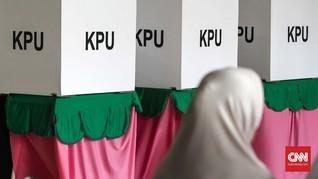 Warga Kabupaten Bandung Naik Perahu Demi Beri Hak Suara