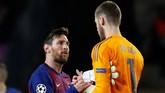 Barcelona berhak lolos ke semifinal dengan agregat meyakinkan, 4-0. (REUTERS/Susana Vera)