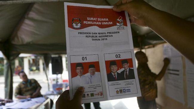 #JokoWinElection VS #TheVictoryofPrabowo Menggema