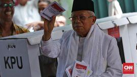 Sujud Syukur Pendukung Prabowo, Ma'ruf Minta Tetap Kondusif