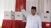 Prabowo pun mengaku akan langsung bertolak ke Kertanegara IV kediamannya di Jakarta.Di sana Prabowo akan berkumpul dengan petinggi partai koalisi, petinggi BPN, pemuka agama, dan tentu calon wakil presiden Sandiaga Uno. (CNNIndonesia/Andry Novelino)